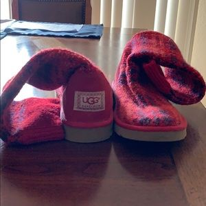 I am selling my Ugg boots. I have worn them once.
